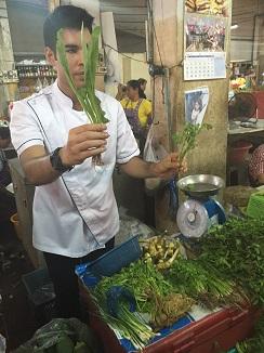 Hojas y hierbas aromáticas, ingredientes fundamentales de la cocina tailandesa