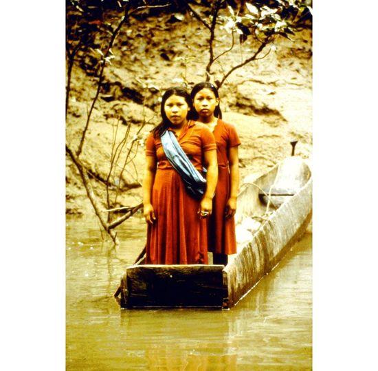 Huaoranies en el río Cononaco Ecuador Isidoro Merino