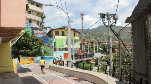 Pasaje en Comuna 13 mejorando el acceso y movilidad a la ciudad Christopher Swope citiscope