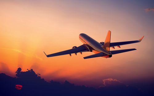 Avión Atardecer