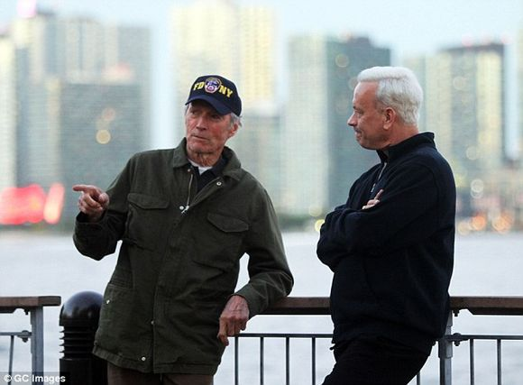 Clint-Eastwood-Tom-Hanks-Sully-6
