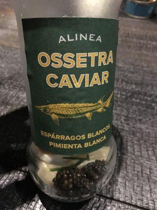 ACHATZ CAVIAR OSSETRA Y ESPARRAGOS BLANCOS.