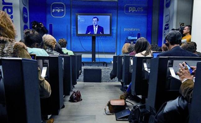 Cobertura-discurso-mariano-rajoy-ante-junta-directiva-del-fue-seguido-ayer-por-los-periodistas-desde-una-pantalla-plasma-reunion-junta-nunca-seguida-rueda-prensa-diferencia-los-comites-ejecutivos-aunque-1365020043669