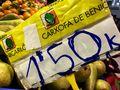 Cartel en un puesto del mercado de Benicarló