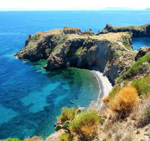 15 calas impresionantes del Mediterráneo >> Paco Nadal >> El Viajero >> Blogs EL PAÍS