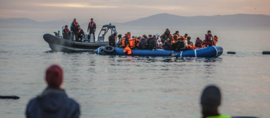 29810_oes_greece_refugee_boat_lesbos_900x361_0