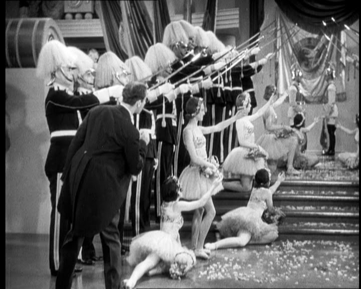 Sopa de Ganso Leo McCarey  Groucho Marx 1933 (5)