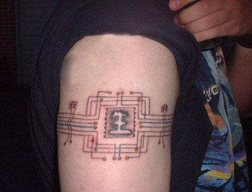 tatuaje cantante. tatuaje robbie williams. El cantante Robbie Williams ha perdido la cuenta de