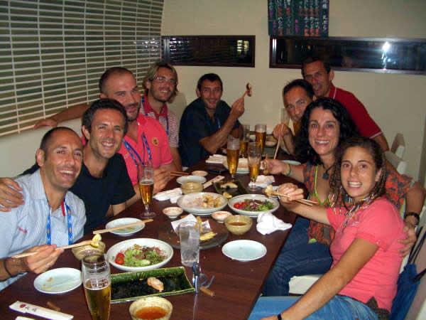De cena con algunos del equipo